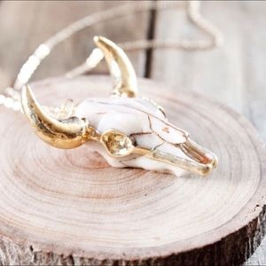 Jewelry - 18K gold-played Desert cattle necklace